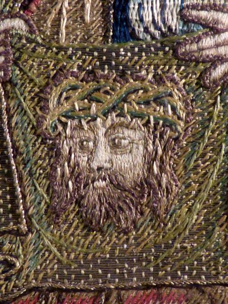 antiquite-tissu-religieux-renaissance-orfroi-brode-soie-et-or-sainte-veronique-et-sainte-face-dentelle-ancienne-broderie-etoffe-tissu-14316