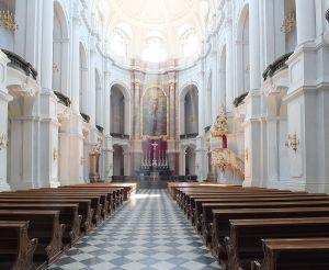 1024px-dresden_hofkirche_nave_02